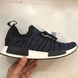 NEW women's NMD r1 athletic shoes